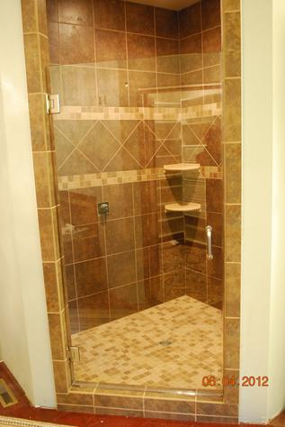 Single door glass shower