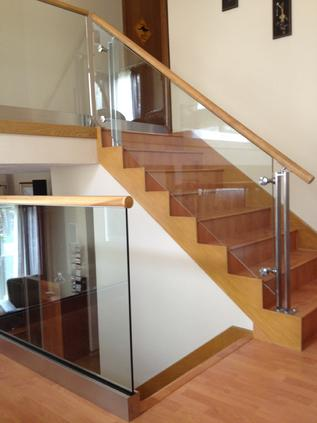 Glass hand rail with wood
