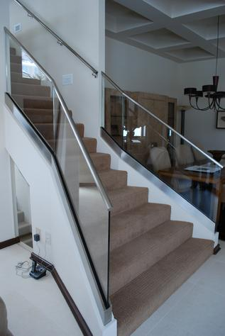 Glass handrail for home