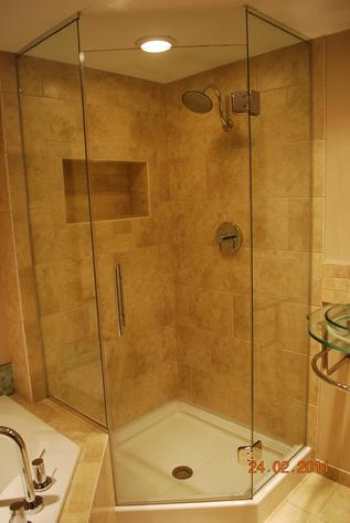 Glass modern shower des moines